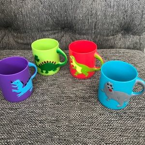"Set of 4 Dinosaur Mugs 3"" Plastic for kids Age 3+"